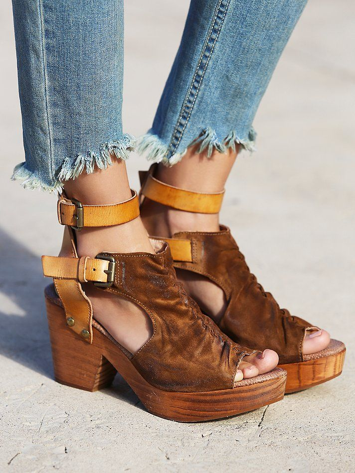 Free People Sacramento Clog Blue Eyed Girl OC STYLE REPORT
