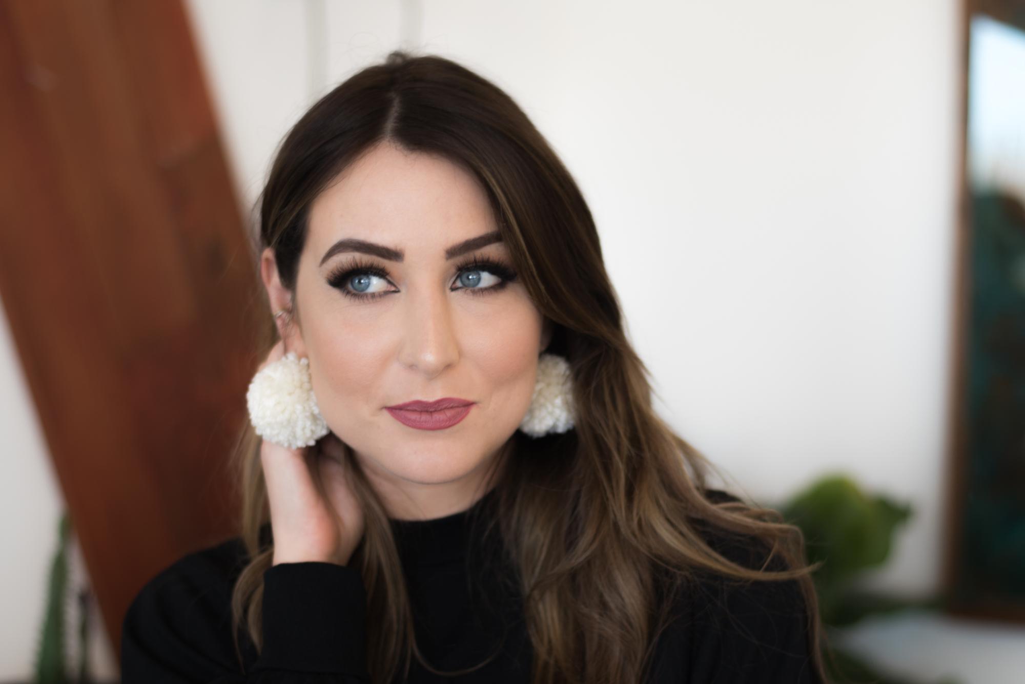 How To Apply False Eyelashes Like A Pro Style Report Magazine